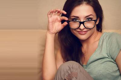 glasses american 20woman sofa