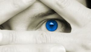 blue 20eye 20between 20fingers