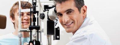 Teen getting an Eye Exam in rockville