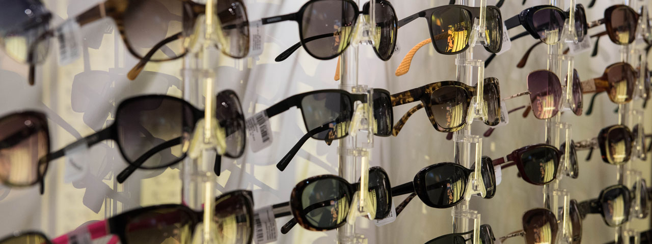 Sunglasses%20Wall%20Display%201280x480