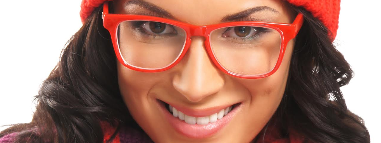 lady red glasses 1280x480