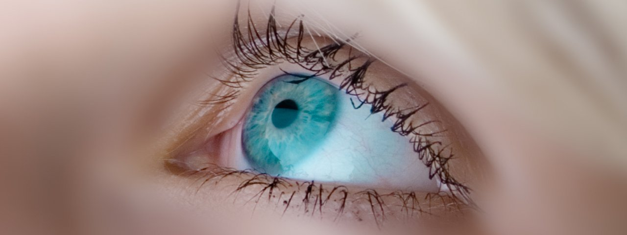 eye close up 1280x480